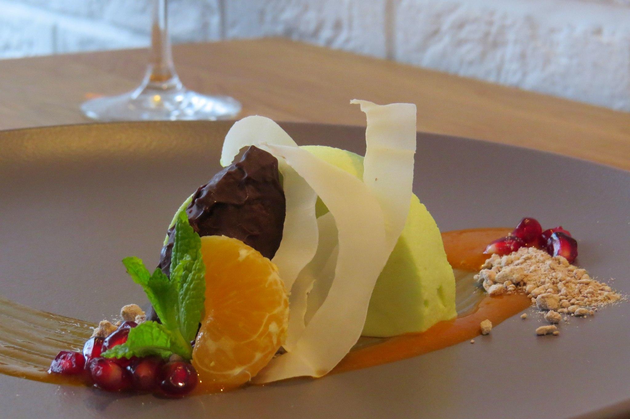 Parfait pistacjowe-gorzka czekolada-kokos-sos z rokitnika