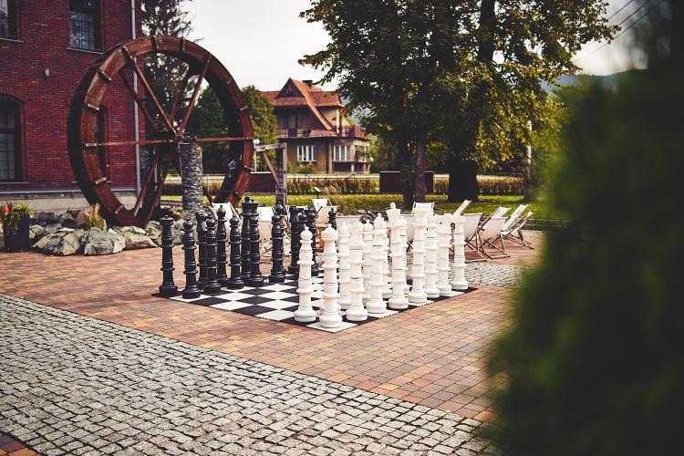 szachy wielkoformatowe hotel południe polski