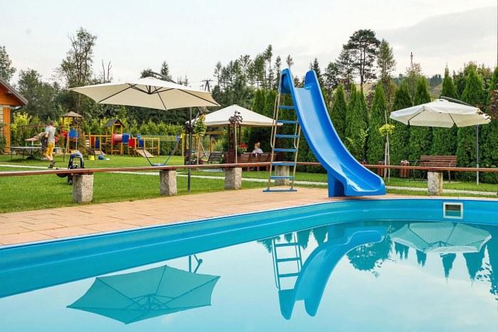 hotel w Małopolsce basen zewnętrzny