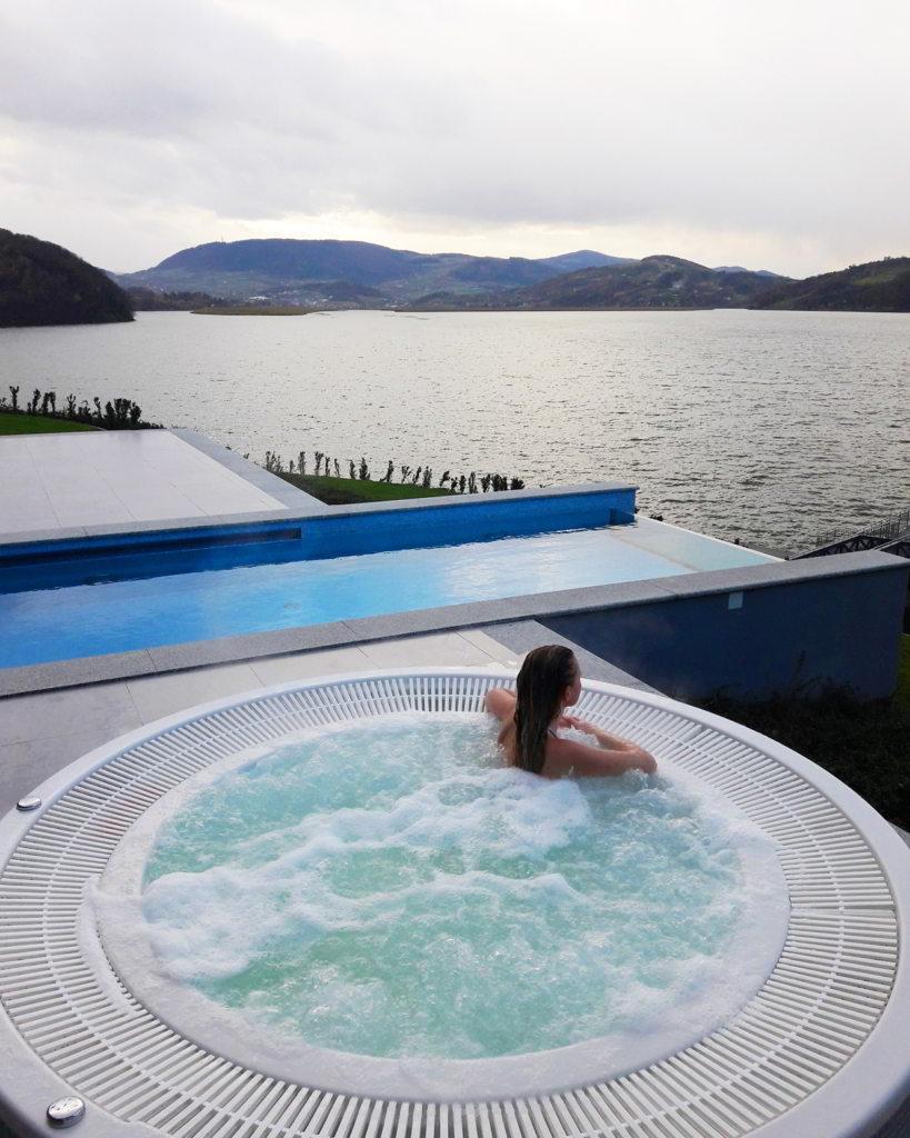 hotel nad jeziorem rożnowskim