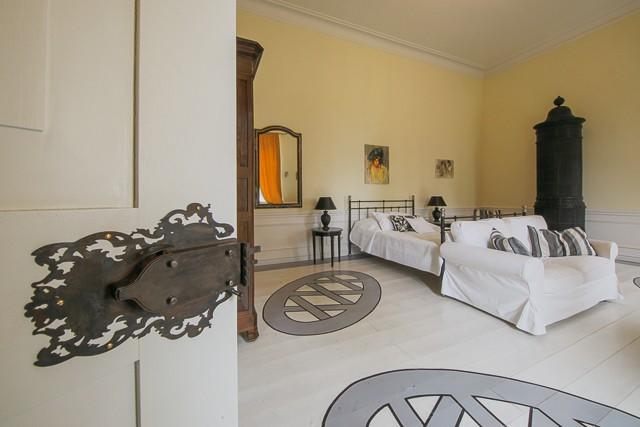 pokój w hotelu w pałacu