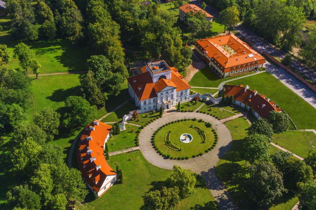 hotele w pałacach