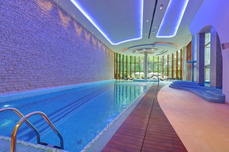 hotel pod Warszawą basen