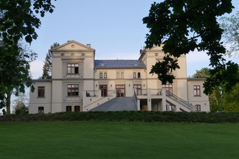 hotele na mazurach pałac warlity