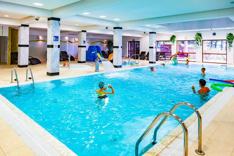 hotel dla rodzin z dziećmi basen