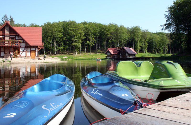hotel dla rodzin z jeziorem