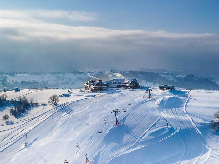 hotel w górach stok narciarski