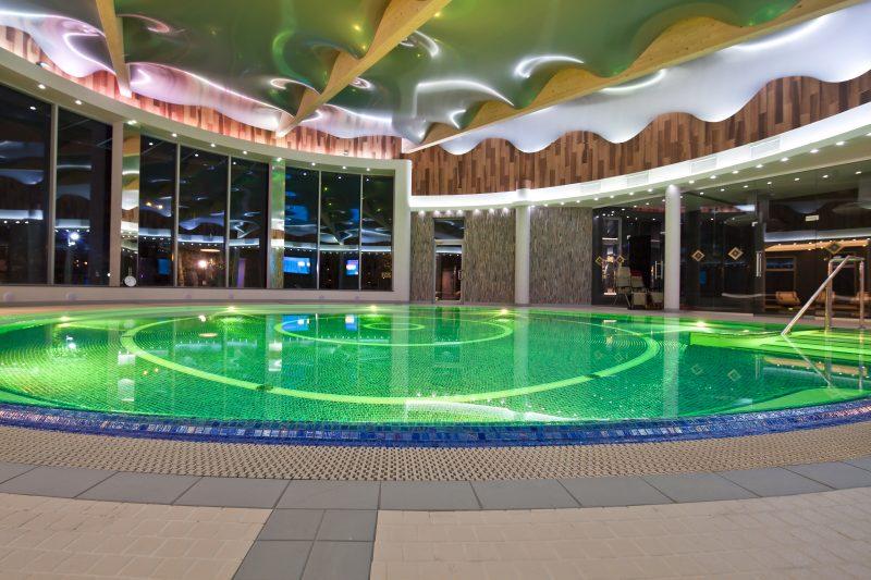 basen w hotelu medical spa