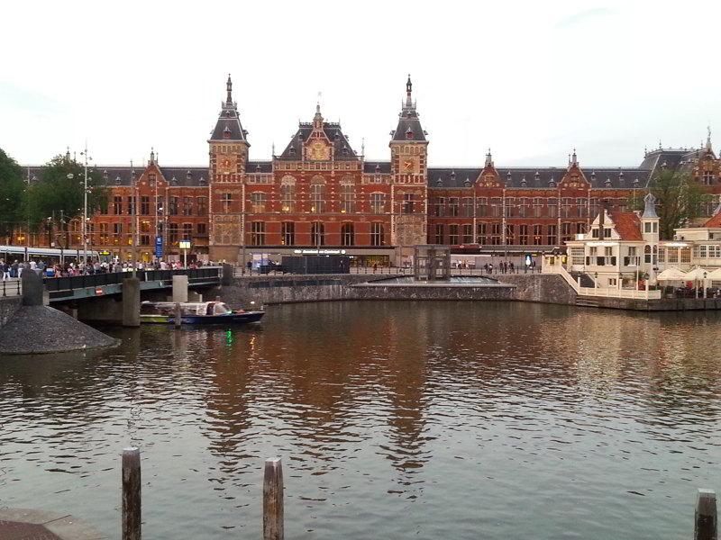 co zobaczyć w Amsterdamie Central Station