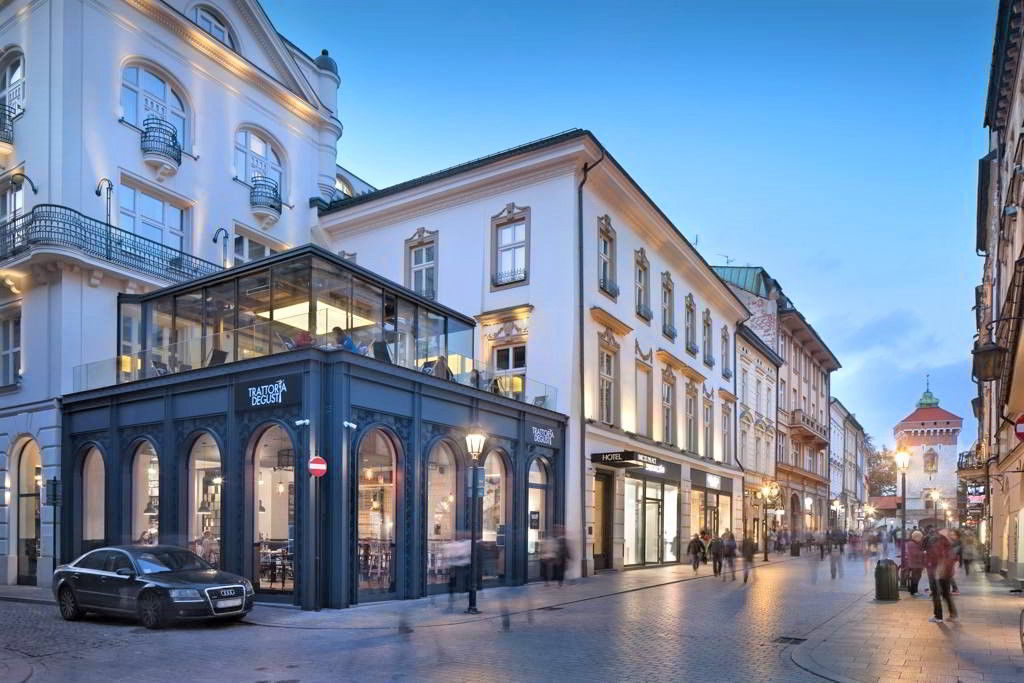 what to see in krakow hotel unicus palace