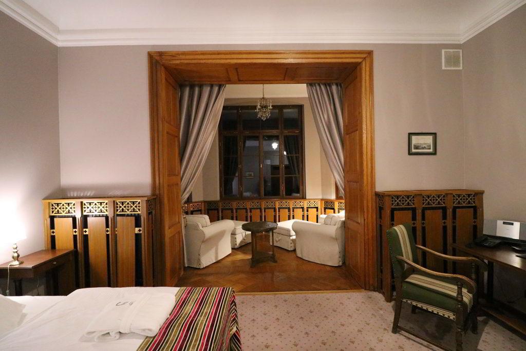 wyjątkowe hotele zamek karpniki