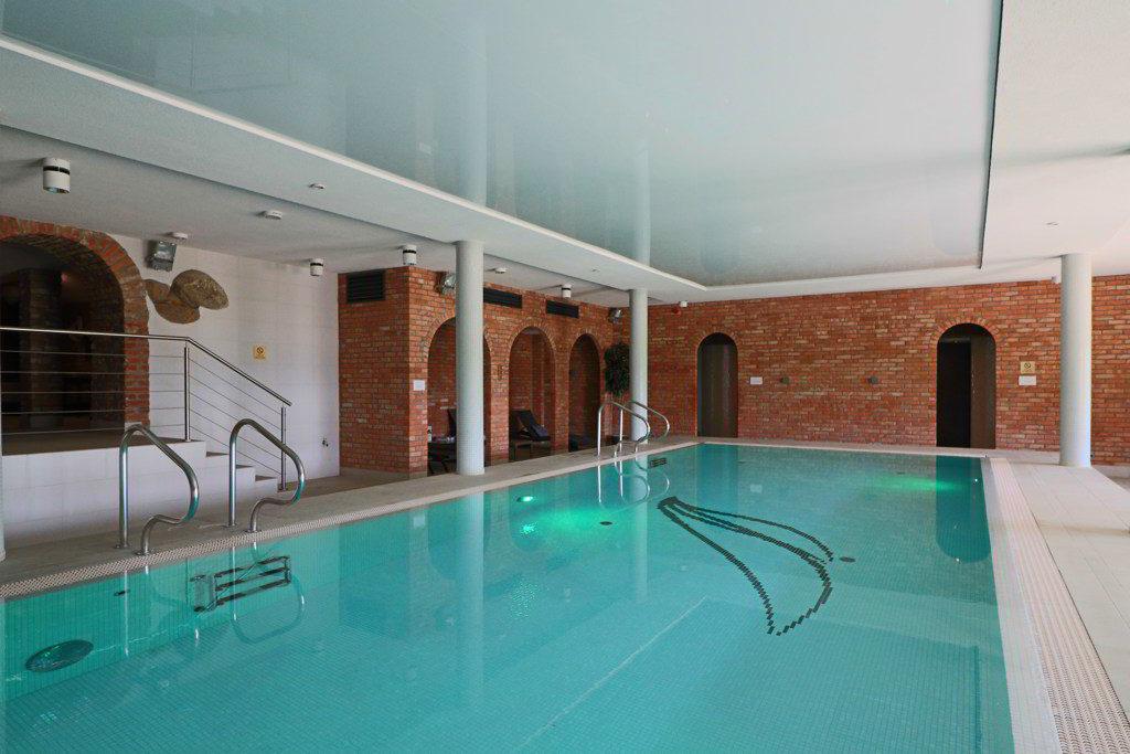 wyjątkowe-hotele-basen