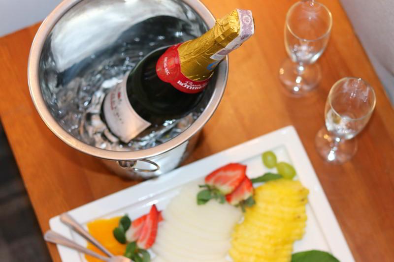 hotel aqua sopot owoce szampan