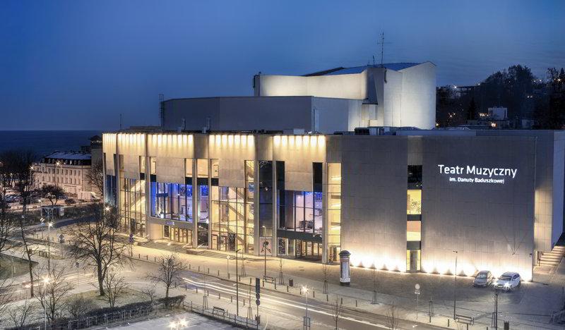 gdynia atrakcje turystyczne teatr w gdyni