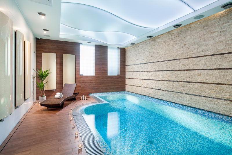 Gdynia hotel Różany Gaj basen
