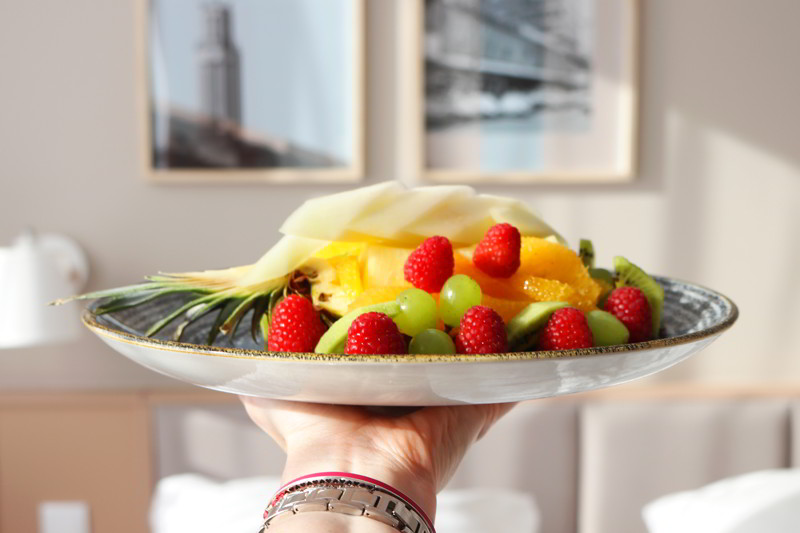 Hotel Altus pokój hotelowy, owoce