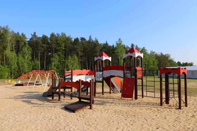 Hotel okolice Poznania plac zabaw
