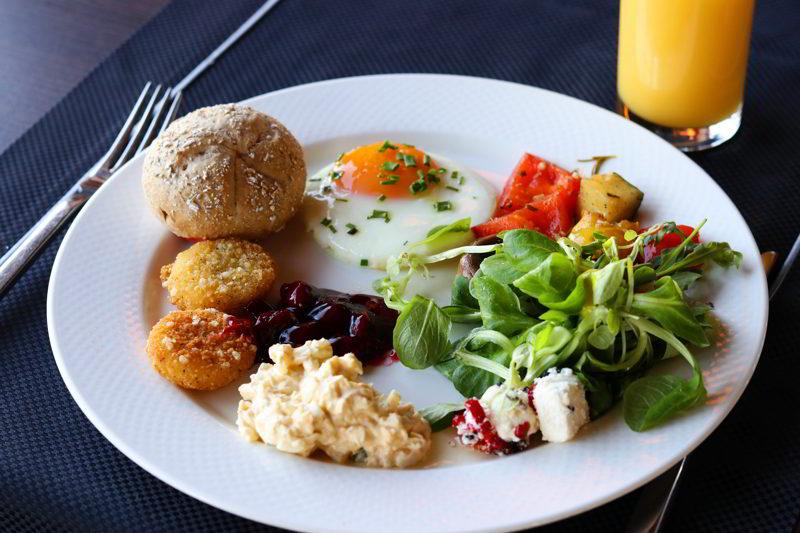 Hotel Odyssey śniadanie