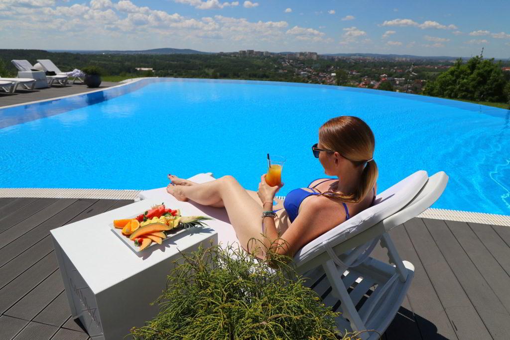hotel odyssey basen zewnętrzny