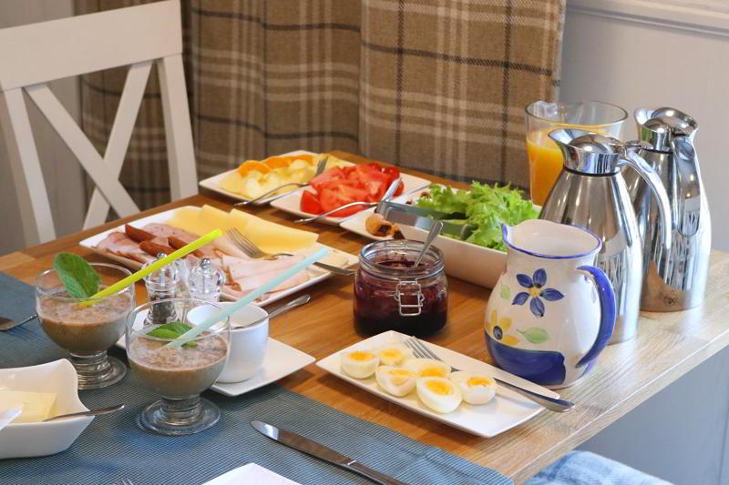 Śniadanie w Villi Źródło w Tyliczu