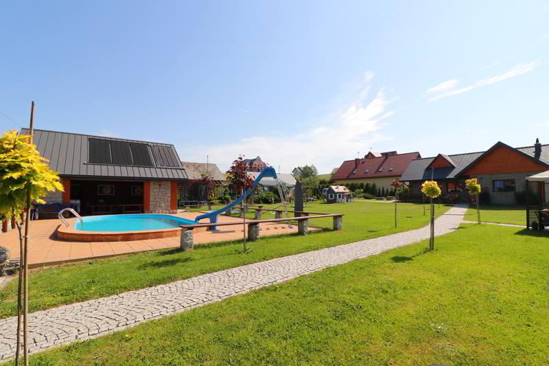 Villa Źródło ogród