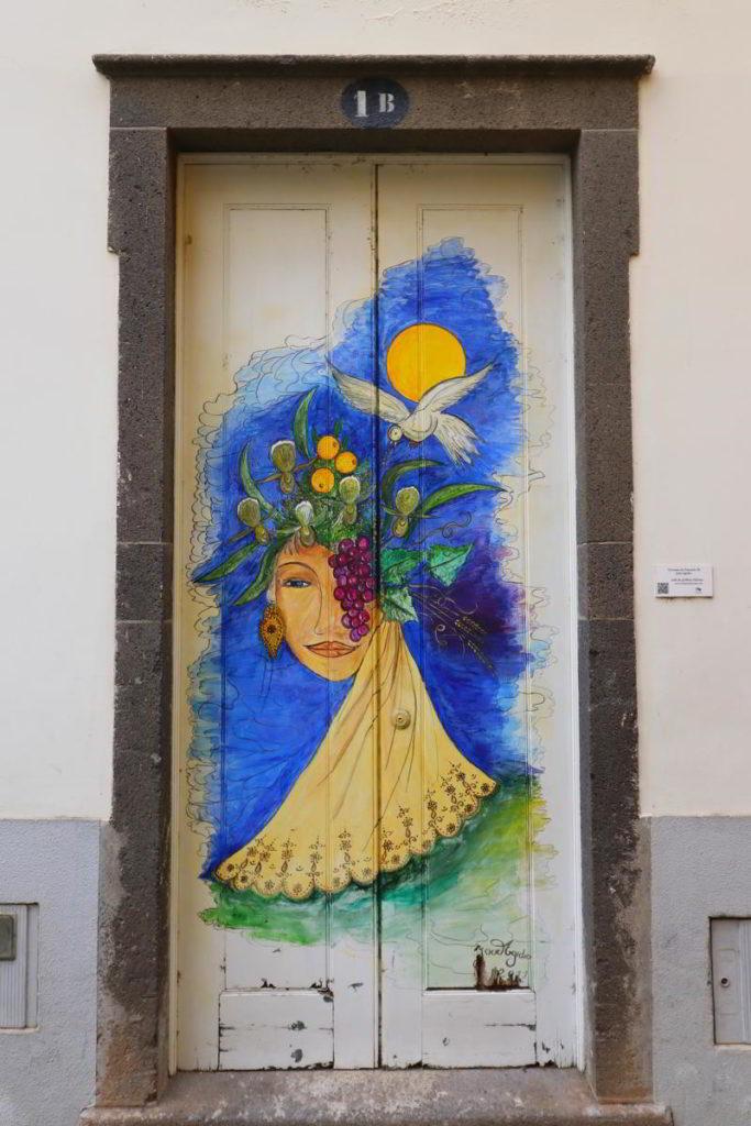 Funchal kolorowe drzwi funchal