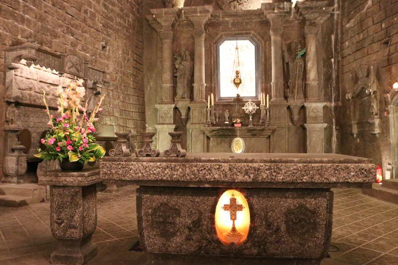 Kopalnia Wieliczka ołtarz kaplica świętej Kingi