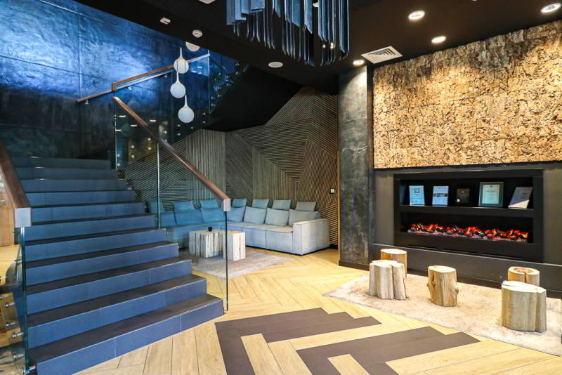 Hotel Aquarion lobby