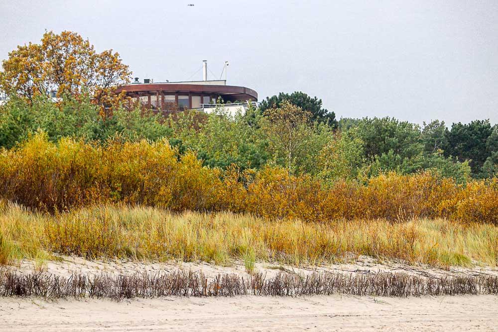 dom zdrojowy widok z plaży w jastarni