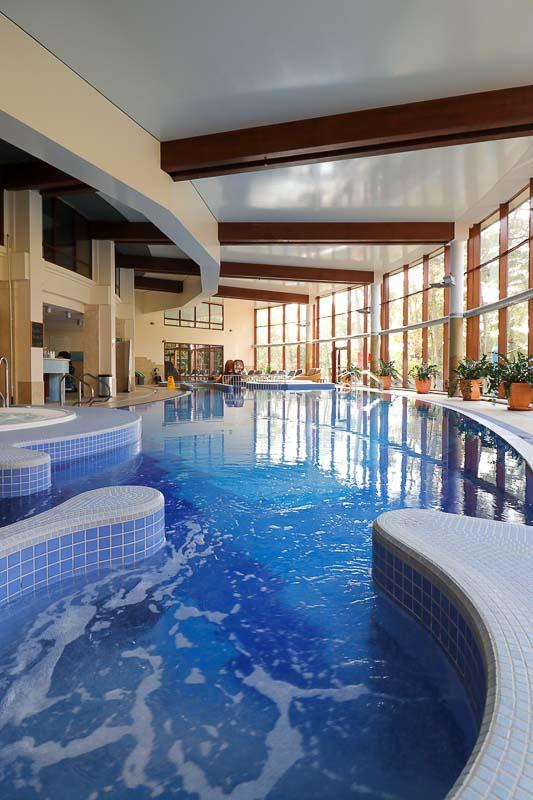 hotel dom zdrojowy basen