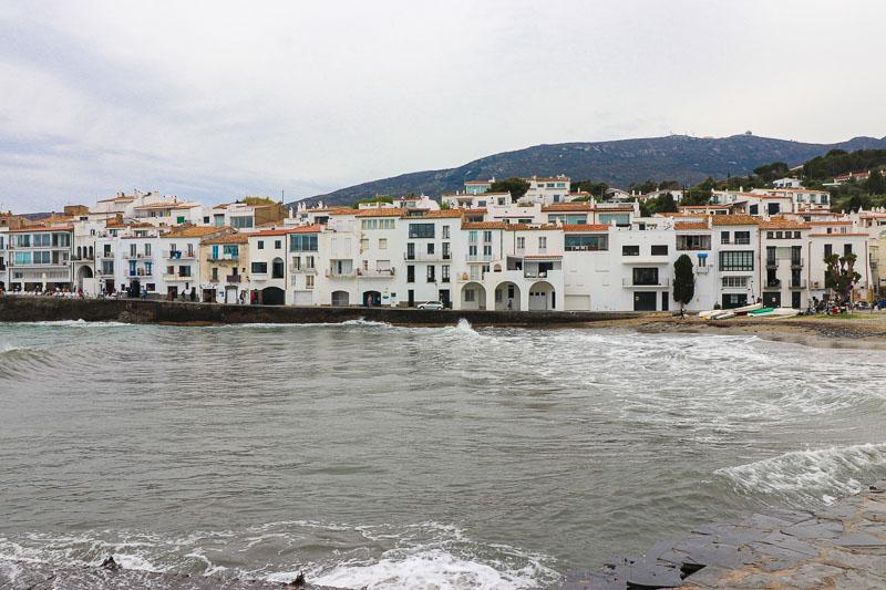 cadaques hiszpania widok z morza