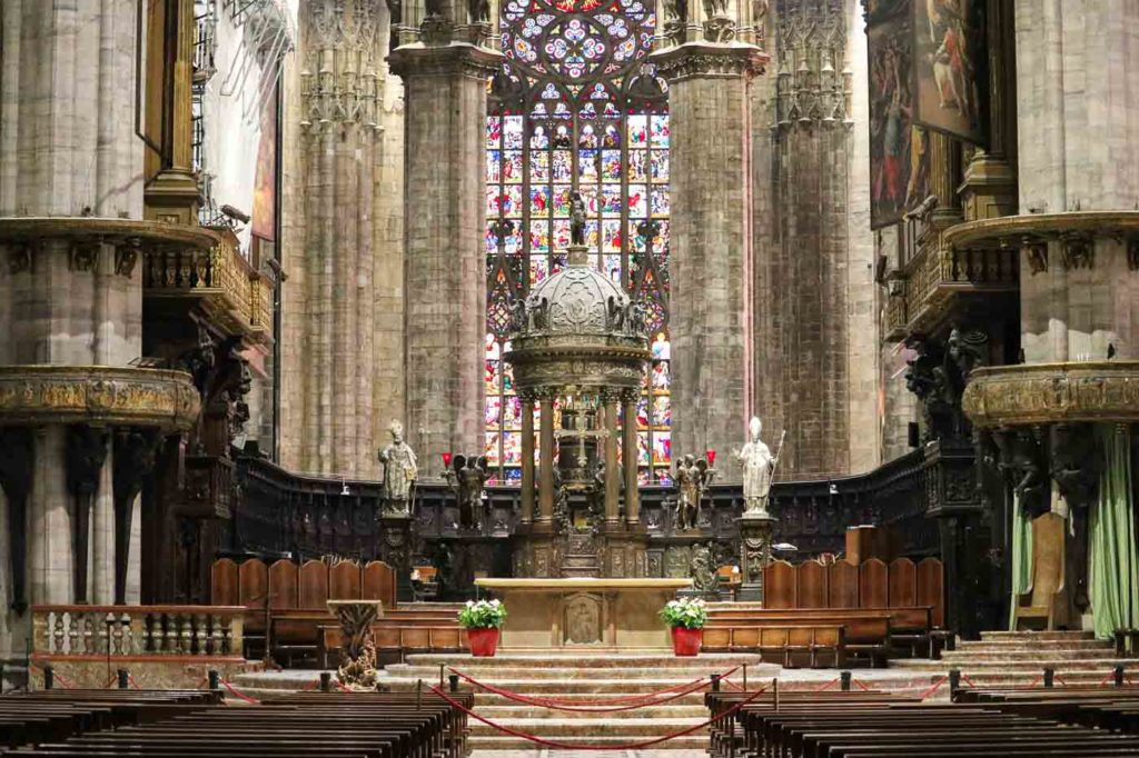 katedra w Mediolanie wnętrza