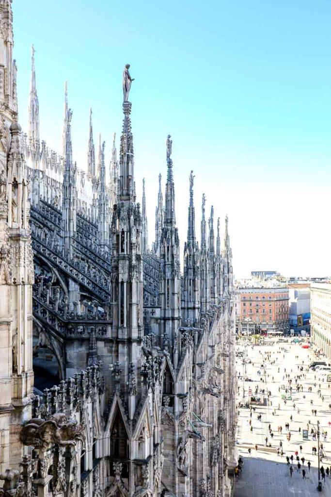 Mediolan widok z dachu katedry w Mediolanie