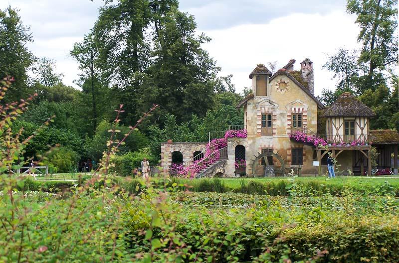 najpiękniejsze-ogrody-na-świecie-hameau-de-la-reine