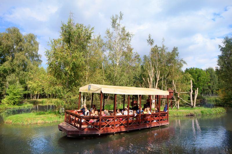 wakacje z dzieckiem spływ łódką