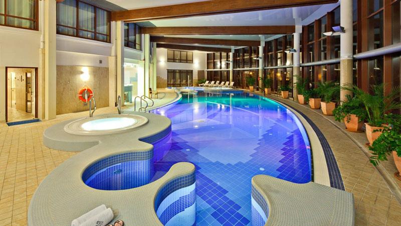 wakacje dla dzieci baseny