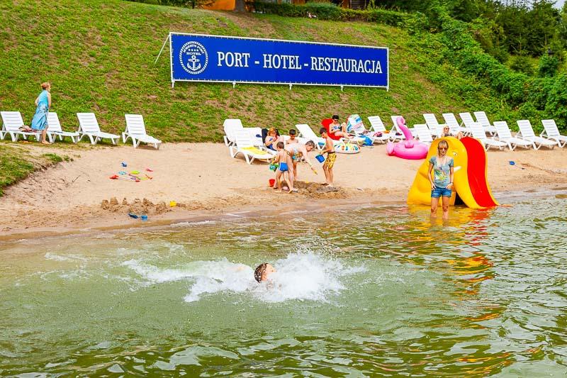 wakacje z dzieckiem plaża jezioro