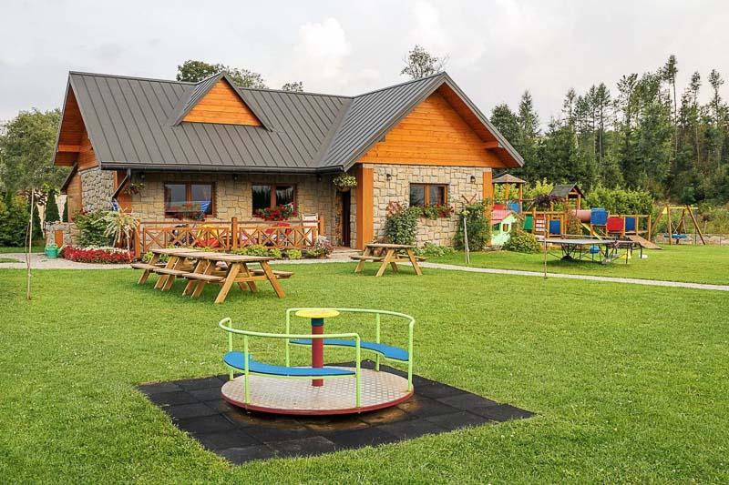wakacje z dzieckiem plac zabaw
