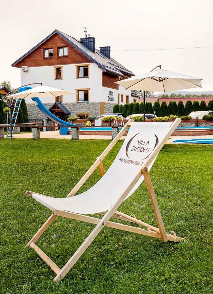 wakacje z dziećmi villa źródło