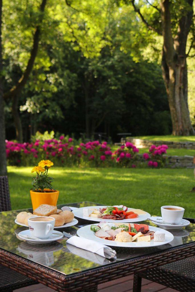 Dworzysko Szczawno Zdrój śniadanie