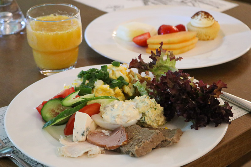 hotel szczawno zdrój śniadanie