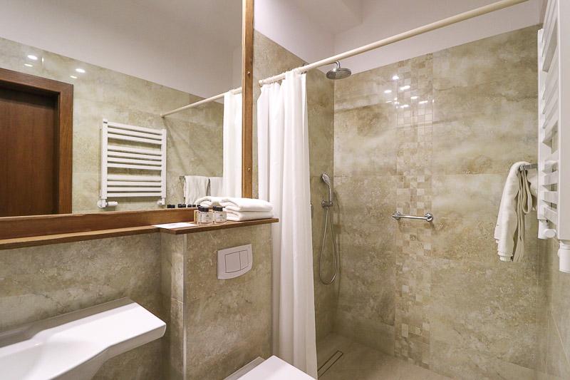 hotel szlak bursztynowy łazienka