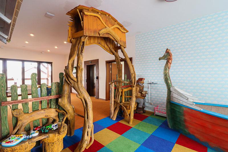 sala zabaw dla dzieci w hotelu szlak bursztynowy