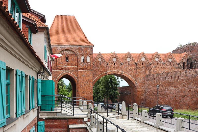 atrakcje Torunia mury obronne