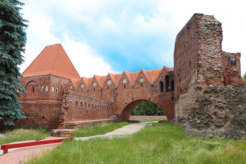 co warto zobaczyć w Toruniu zamek krzyżacki