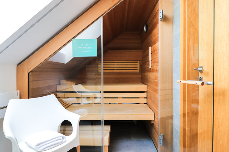 sauna w zimowym domku