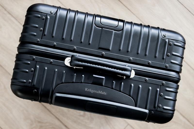co można zabrać do samolotu walizka