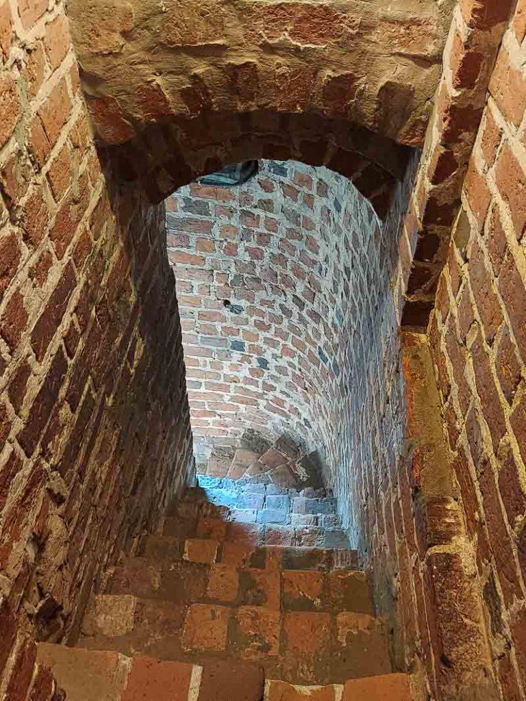 Zamek Czersk schody
