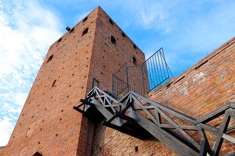 czersk zamek wieża bramna