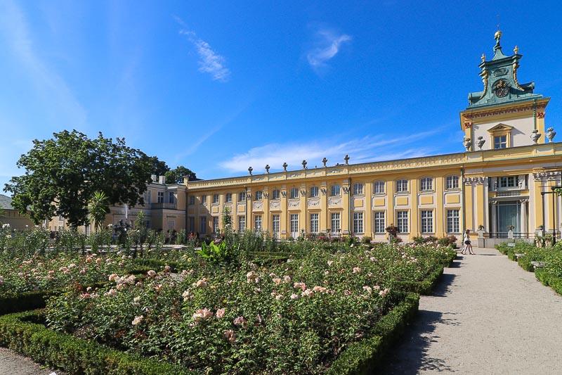 pałac w Wilanowie ogród różany